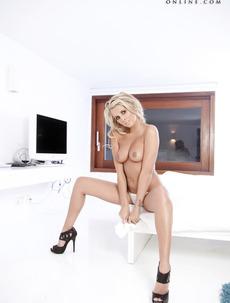 Rachel Louise - Dazzling White
