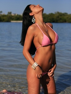 Janessa Brazil Getting naked at the beach