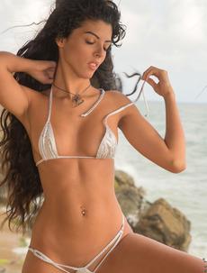 Angela Diaz In Microkini