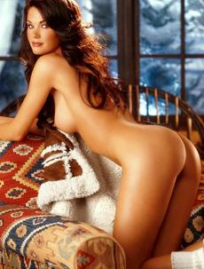 Jayde Nicole Shows Off Her Amazing Nude Body