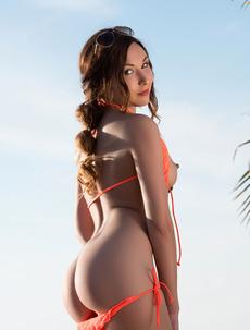 Martina In Sexy Bikini