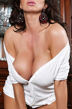 Rachel Aziani massive tits