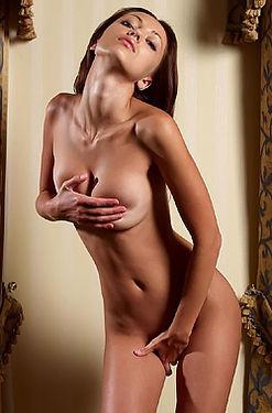 Anna Hot Natural Beauty Posing Nude