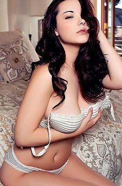 Elizabeth Marxs Sexy Striptease