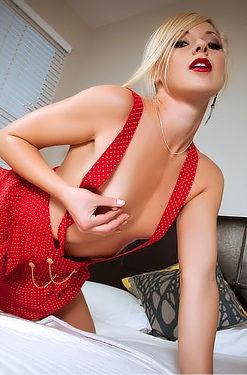 Lena Nicole Teasing Her Wet Pussy