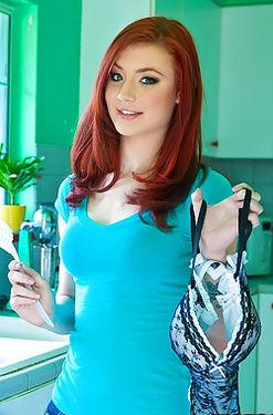 Redhead Teen Babe Sasha Pain