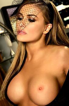 Carmen Electra Busty Blonde