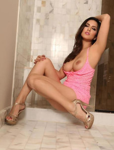 Busty Sunny Leone In Her Bathroom